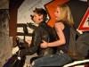 04-die-gang-kommt-mit-dem-motorrad-150x150